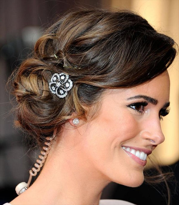 12 Modern Wedding Hairstyles For Women And Girls
