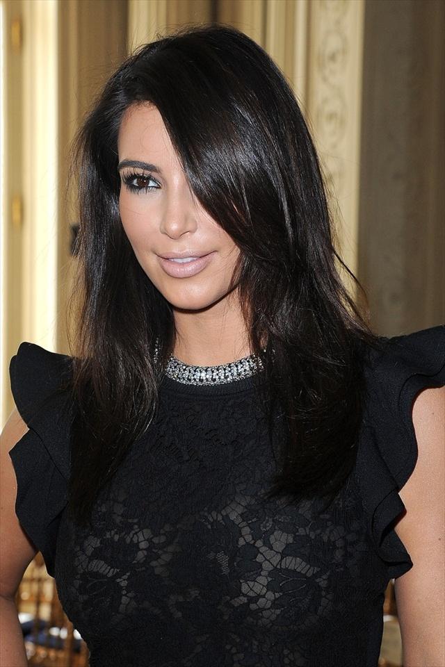 15 Beautiful Simple Kim Kardashian Hairstyles For Women | GlobezHair