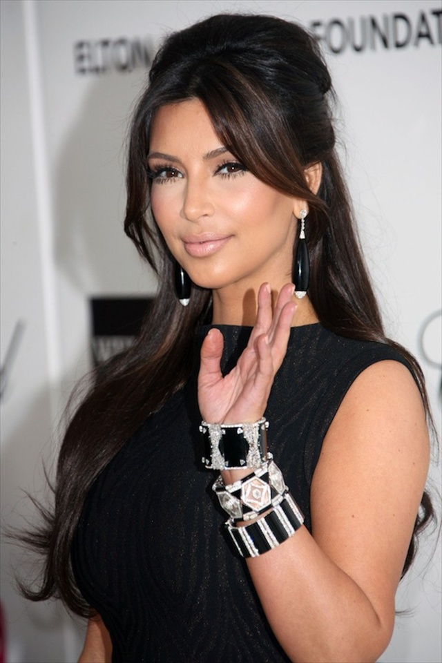 15 Beautiful Amp Simple Kim Kardashian Hairstyles For Women