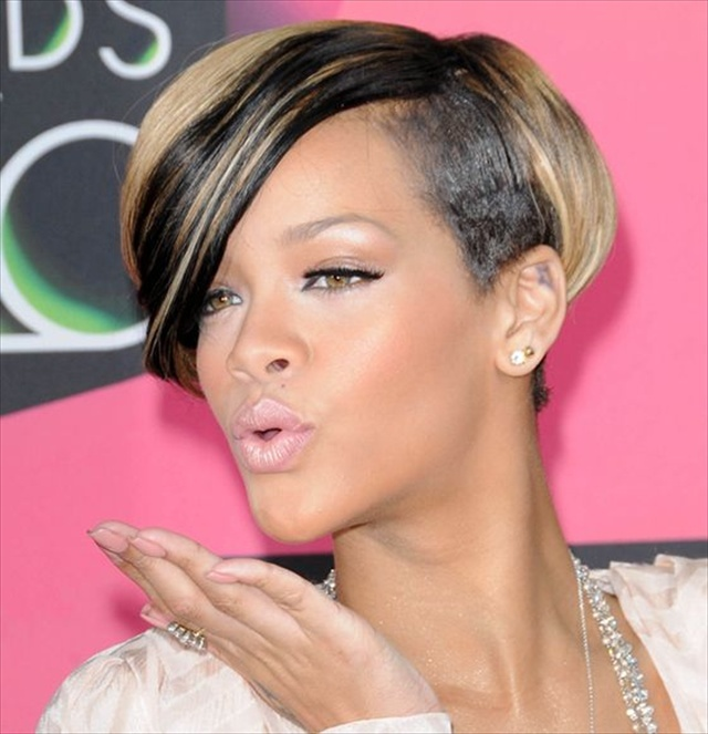 Latest Rihanna Hairstyles 2014
