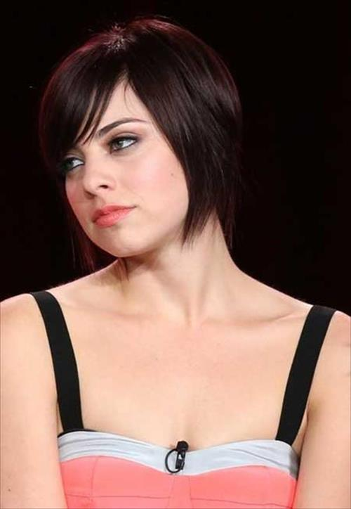 short hairstyle with bang for girls
